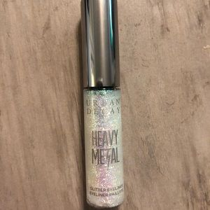 Urban Decay Liquid Eyeliner in Distortion⭐️